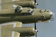 B-17 Flying Fortress / B-17 Flying Fortress