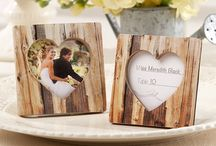 Woodsy Wedding / A gorgeous wedding theme embracing the beauty of nature. This theme allows you to use florals, greenery, wood, and bohemian inspired decor to give your nuptials a natural, woodsy feel!