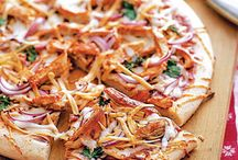 Pizza Party! / Pizza is everyone's favorite and with the recipes and ideas here, you'll have everything you need to throw the ultimate pizza party! When it comes to pizza, the cheese is tops, so make these recipes your own with your favorite Ellsworth or Blaser's variety.