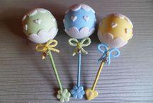 Para el bebé  / souvenirs para nacimiento y habitación del bebé / by Betty Becher