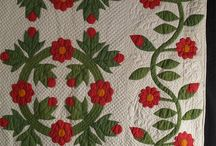 Red & green quilts / by Lindsay
