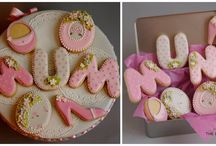 Decorated cookies / Hand piped with royal icing these cookies are wonderful for any occasion.