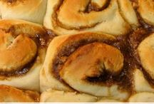 Breakfast recipes to try / by Melanie Rapes