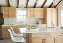 Beach Home Remodel Ideas / by Michelle Paige