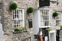 Explore... Kendal / Wondering what to do when you're in Kendal? Home of the famous Mint Cake, it is a lively market town with speciality shops in cobbled streets and yards.
