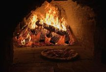 Wood Fired Gourmet Pizza in Riverside, Riverdale, Leslieville, Toronto / The Peasant Table fine Italian Food Restaurant in the Riverside, Riverdale, Leslieville area of Toronto. Makes great wood fired oven gourmet pizza.