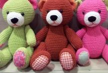 Amigurumi Bears / by Vanegumis