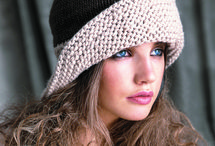 Crochet Hats & Scarves / by Kim Willmott