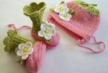 baby hats / by Jana Dolinšek