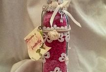 BOTTIGLIETTE e BARATTOLI SHABBY CHIC  / Bottigliette e barattoli decorati a mano con pizzi e merletti in stile shabby chic