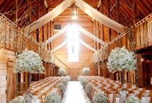 RUSTIC RANCH & BARN weddings / {wedding planning} simple, chic, natural ideas for an outdoor wedding at a barn or in the country : idee per un matrimonio rustico semplice e sofisticato