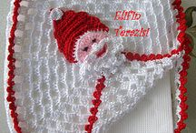 christmas adornos crochet / by Carmen Cateriano