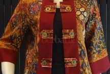 Blazer Batik Modern