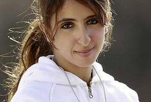 Latifa AMM 1 /  Latifa bint Ahmed bin Maktoum bin Juma Al Maktoum, 27/09.  - Padre: Ahmed bin Maktoum bin Juma Al Maktoum.  - Madre: Hessa bint Rashid bin Saeed Al Maktoum.