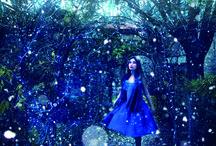 Blue Sky / Cette catégorie de structure luminaire de couleur bleu a pour point de mire l'émerveillement même de l'objet. L'ambiance de ces illuminations évoque l'éclosion d'une nature onirique.   by Blachere Illumination France  http://www.blachere-illumination.com/