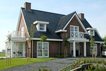 Jaren dertig woningen / De jaren '30 zijn een begrip. Een periode waarin woningen zijn gebouwd in een eigen architectuurtaal - Meer over onze bouwstijlen op http://www.z-wonen.nl/bouwstijlen
