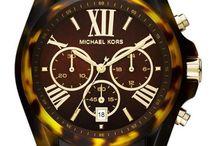 Michael Kors Saatleri / Özellikle bayanların çok sevdiği Michael Kors saat modellerini sizlerle paylaşmak istiyoruz.