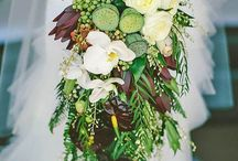 Cascade bridal bouquets / Wedding floral arts