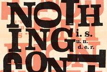 Neigaards produkter / Typografiske plakater fra www.neigaard.dk bygget på en bund af universelle løgne og desillusioneret livsvisdom