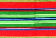 PASIAKI / FOLK STRIP FABRICS / ludowa tkanina wełniana tkana w niektórych rejonach Polski. Stosowana na spódnice i zapaski oraz narzuty, a obecnie także w innych wyrobach dekoracyjnych i użytkowych.