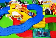 ジェットコースターで勝負!アンパンマン アニメ&おもちゃ