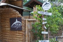 "7SEAS Cottages / 7SEAS Cottages reunites traditional Lombok style and modernized recycled ""Joglos"" from Java, giving our hotel its unique, yet authentic, island style design, combined with modern comfort and cozy furnishings.  Set within a lush tropical garden with sky grazing palm trees and traditional bales, 7SEAS is the idyllic paradise for holidaying."
