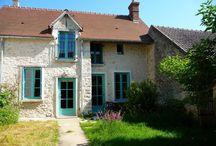 """Gîte Essonne """"Chez Adèle"""" / Un gîte très coloré, rénové selon le désir de sa propriétaire, en respectant l'architecture d'origine du bâtiment. Situé dans l'ancien village royal d'Adèle de Champagne, voici un gîte chaleureux pour un séjour en famille (G910099)"""