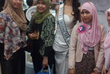 Miss Indonesian 2014 with her fans