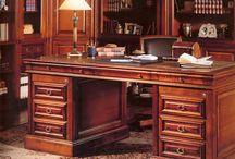 Γραφεία / Ξυλόγλυπτα γραφεία φιλοτεχνημένα από τον Γιώργο Παττέ | www.pattes.gr