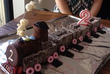 Train cake / Lamination fingers, wagon wheel, and cream rolls. Licorice tracks. Life saver wheels. So easy to create and serve! No fuss