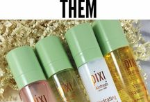 Setting Sprays / Set your makeup with these flawless sprays!