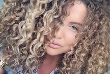 curly ombre blonde