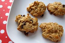 Cookies and Bars / Mixture of types of cookies and bars