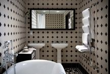 Vintage Bathrooms / A collection of beautiful vintage bathrooms and products