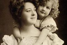 Amo a mi mamá / by A . Calderon
