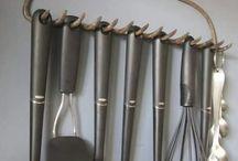 držák na kuchynske/krbove nařada