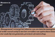 interim management bureau-Meesters in Management Den Haag /  We schieten steeds weer in de reflex van meer geld verstrekken en meer groei willen, terwijl dat de productiemaatschappij op zijn retour is. Voor de juiste afstemming van vraag en aanbod zorgt het Web en de technologie zorgt voor productverbetering respectievelijk verduurzaming en minder uitval en vervangingsvraag. Natuurlijk zijn daar nog dienstverlening en zorg, maar ook hier staat de technologische innovatie pas aan het begin.