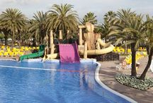 FIESTA pool / It is a large pool in which the whole family can enjoy themselves.