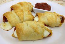 Mmmm.... Appetizers & Snacks! / by Jan Lipinski