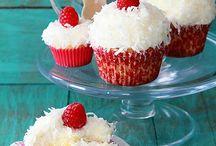 Cupcake and Muffin / by Aleksandra Konwa