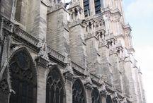 Notre Dame Katedrali- Paris / Paris'le üç defa buluşup, zaman yetersizliğinden ya da vakitsiz gelişimden sadece kıyısında dolaşıp hayran kaldığım Notre Dame Katedrali... Sanırım gezme vakti geldi ! ✈️