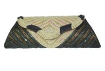 Online Bags in India - Zarood.com / Buy bags online in india from Zarood which offers hand bags, clutch bags, ladies purse in multiple fashion design.