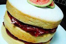 Delícias da Cláu / Loja on-line de bolos: - naked cakes - com cerquinha deHershey's, Kit Kat, Kinder, Twix,rolinhos de wafer etubetes -brownie - cheesecake - torta pagliaitaliana - bolo no pote - sandubinha de brownie  - brigadeiros gourmet no copinho de chocolate - brigadeirobrulé  Caseirices açucaradasproduzidascom qualidade e principalmente, muito amor.