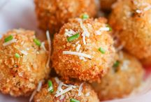Vegan Appetizers / Easy vegan appetizers for a party. Vegan finger foods you can make ahead of time for a crowd.