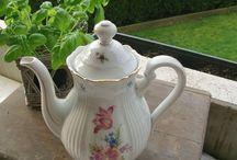 Vintage und shabby chic / Ihr findet hier antiken Schmuck, antike Schalen, Vasen, u.v.m.  Viele Dinge habe ich über Jahre liebevoll gesammelt.