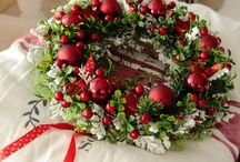 Wreaths - Christmas and Winter / by Dayna Longsine