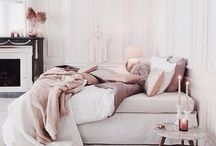 Top Tips to Decorate a Romantic Bedroom / Top tips and ideas to create a romantic bedroom, for Valentines Day and beyond.