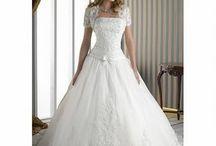 Dream Wedding<3 / by Caroline Beachum