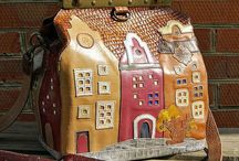 Bags-houses. / Bags in the shape of a house, or with images of different houses.