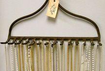 guarda colares e cordão